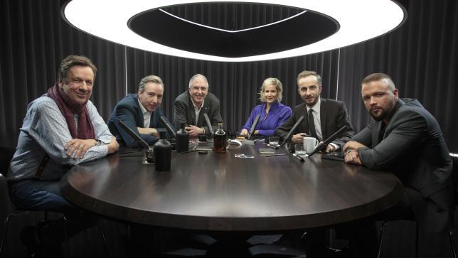 """Die Runde in der ersten Sendung """"Schulz & Böhmermann: Jörg Kachelmann, Olli Schulz, Gert Postel, Anika Decker, Jan Böhme"""