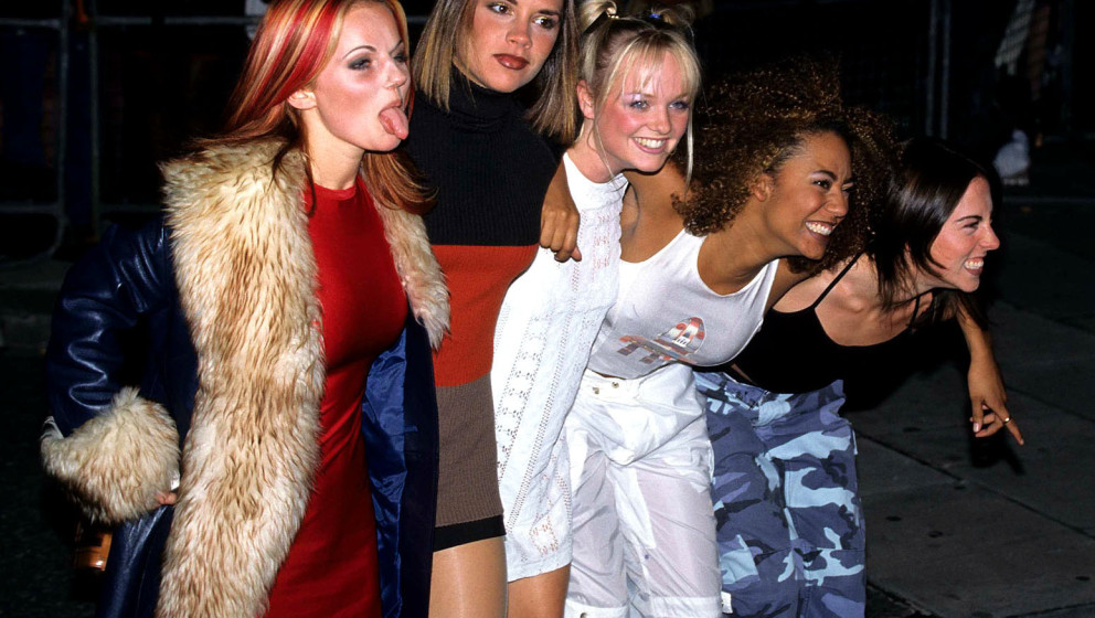 Victoria Beckham, Mel C, Emma Bunton, geri Halliwell and Mel B from The Spice Girls National TV Awards, BBC, London, October