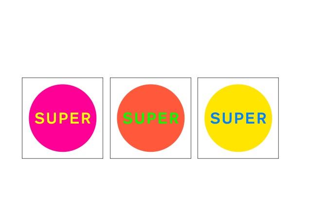 Die Cover der unterschiedlichen Editionen von SUPER