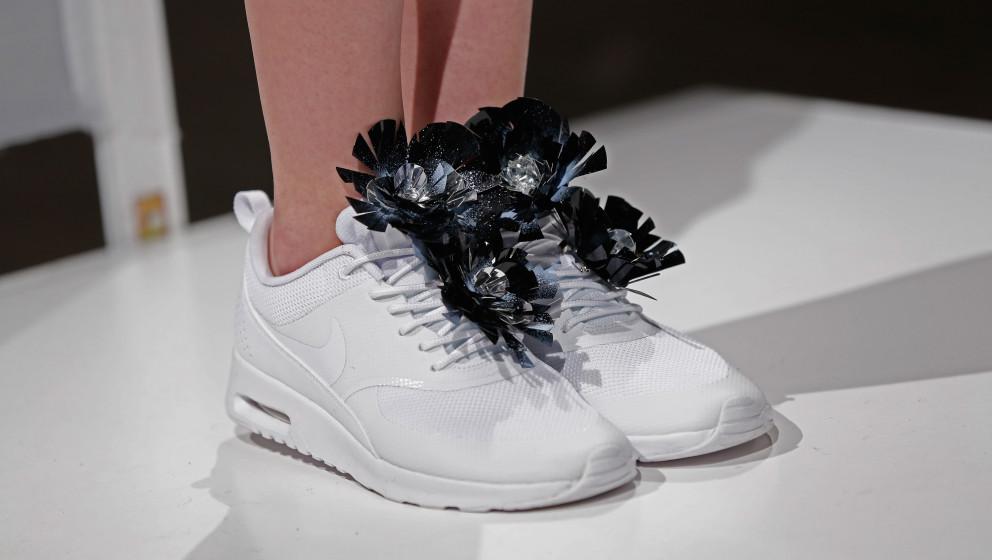 Verzierte Sneakers bei Steinrohner