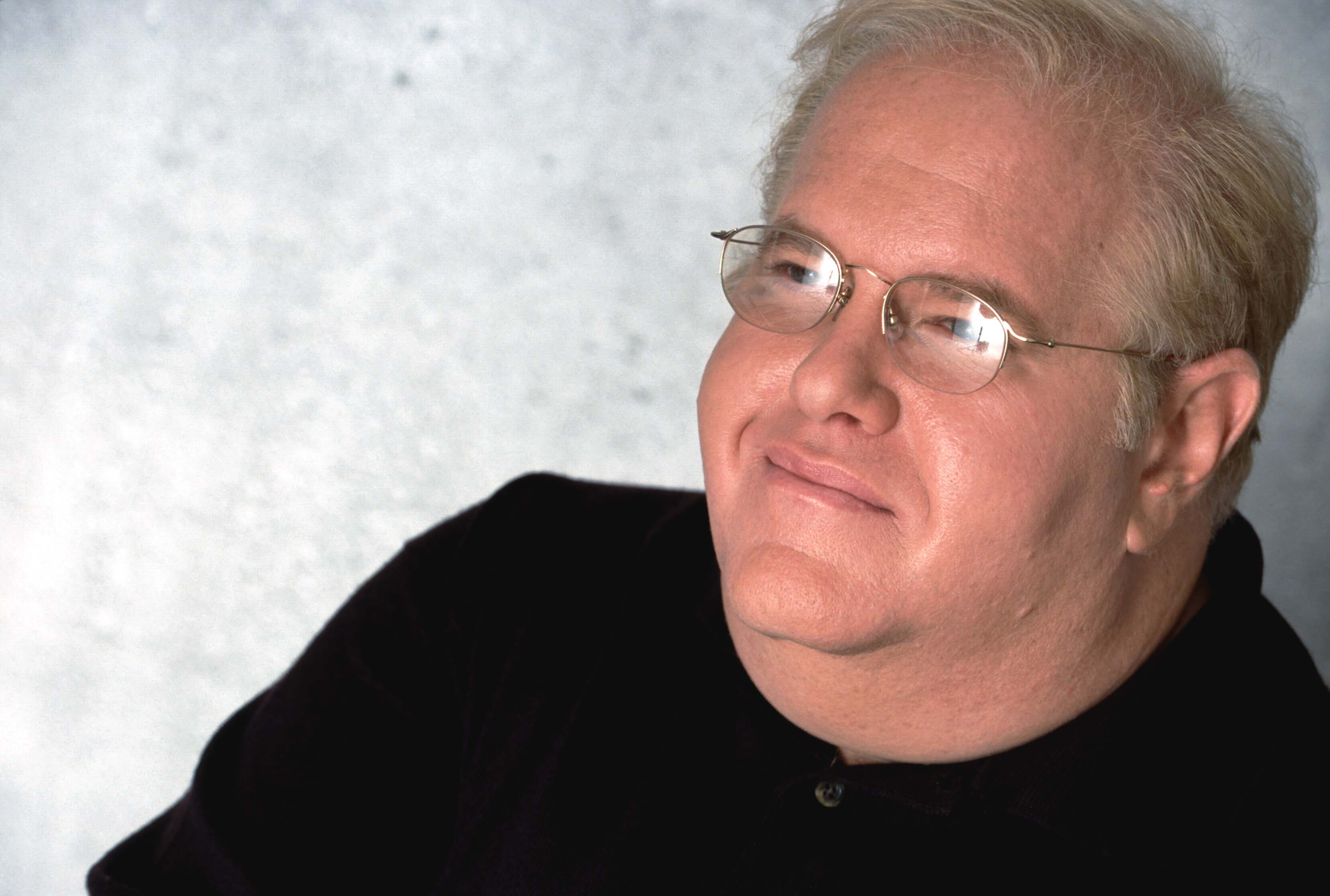 LOS ANGELES, CA - 2002:  American record producer and manager Lou Pearlman (June 19, 1954 'u2013 August 19, 2016) poses for a