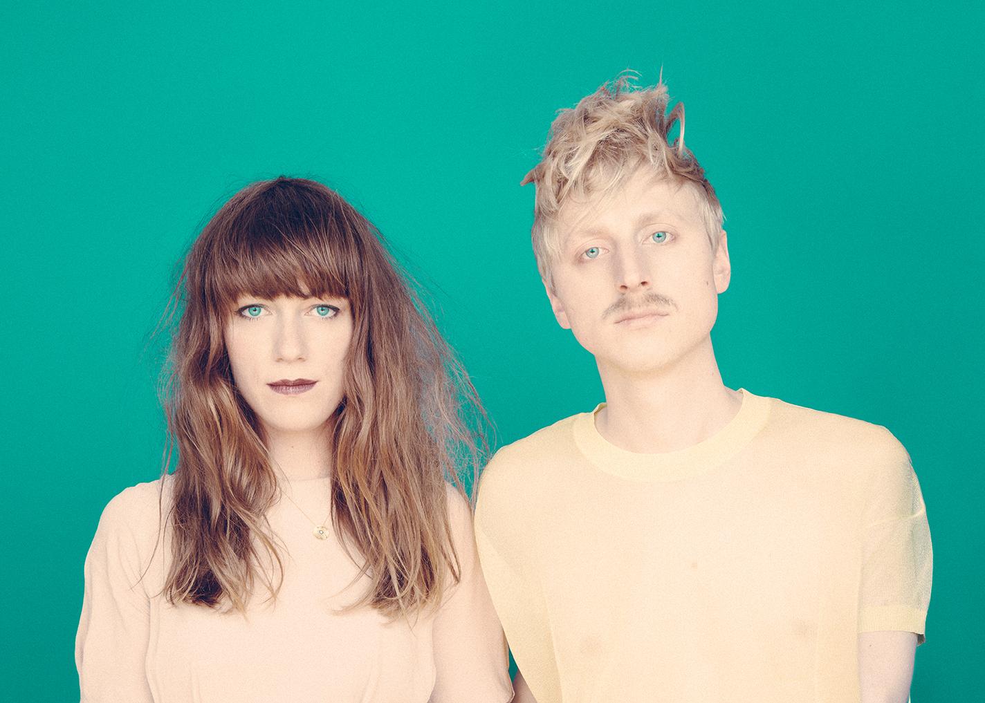 Das Berliner Elektro-Duo zeigt seine neue Single.