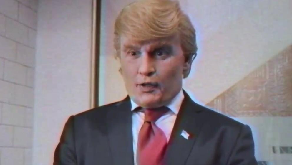 """Johnny Depp als Donald Trump in der Parodie """"The Art Of The Deal""""."""