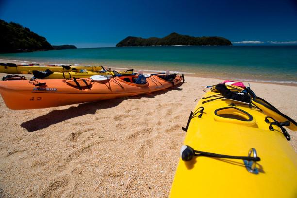 Der Abel-Tasman-Nationalpark ist ein beliebtes Ziel von Kanuten und Wanderern.