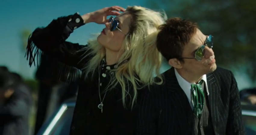"Alison Mosshart (l.) und Jamie Hince (r.) im neuen The-Kills-Video zu ""Doing It To Death"""