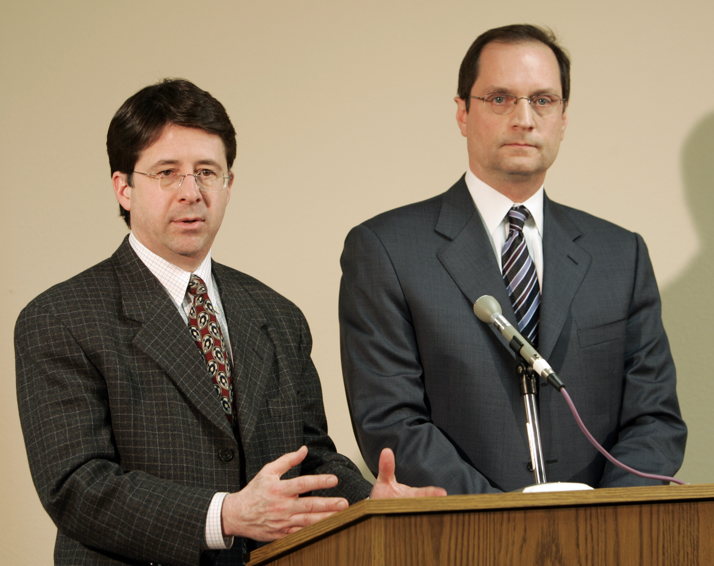 Steven Avery's attorney's Dean Spang, left, and Jerome Buting answer questions in a Calumet County Courthouse Sunday, March 1