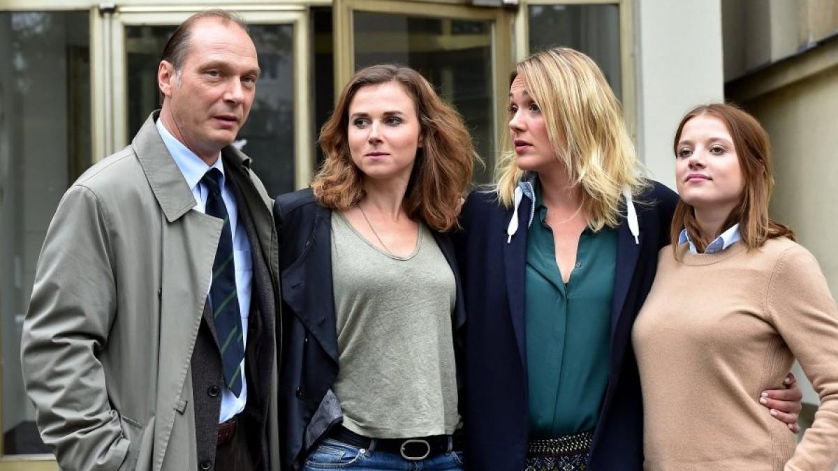 """Das Team des Dresdner """"Tatorts': (v.l) die Schauspieler Martin Brambach, Karin Hanczewski, Alwara Höfel und Jella Haase."""