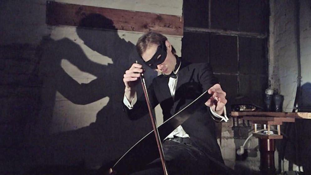 Das Orkestra Obsolete interpretiert Blue Monday von New Order