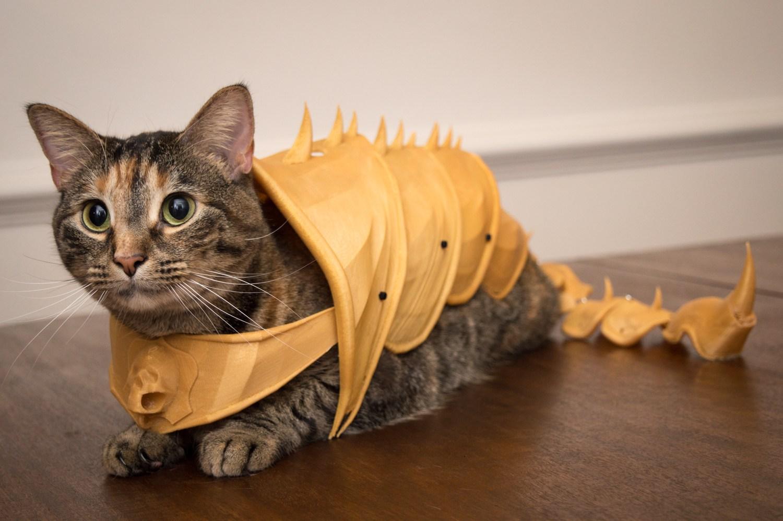 Andrew Sink von sinkhacks.com hat die Rüstung bereits für seine Katze nachgedruckt.