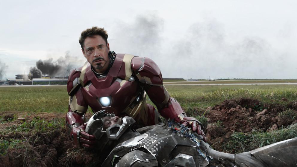 Marvel's Captain America: Civil WarL to R: Iron Man/Tony Stark (Robert Downey Jr.) and War Machine/James Rhodes (Don Cheadl