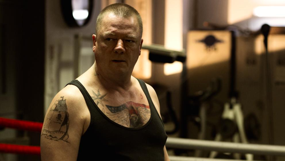 Peter Kurth als Ex-Boxer und Geldeintreiber Herbert Stamm.