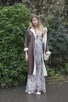 Veronika Heilbrunner ist auf der Couture Fashion Week in Paris in roten Chucks unterwegs