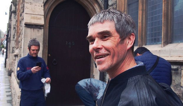Dem NME bestätigte Ian Brown, dass die Stone Roses neues Material aufnehmen.