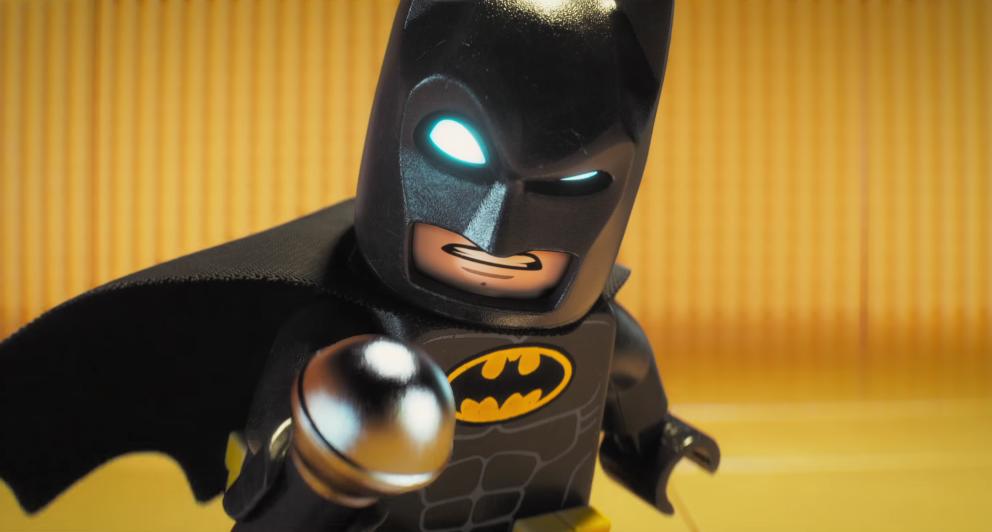 Lego Batman wird im englischen Original von Will Arnett gesprochen.