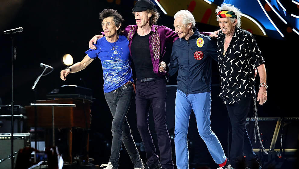 HAVANA, CUBA - MARCH 25:  (L - R) Ron Wood, Mick Jagger, Charlie Watts and Keith Richards perform with the Rolling Stones at