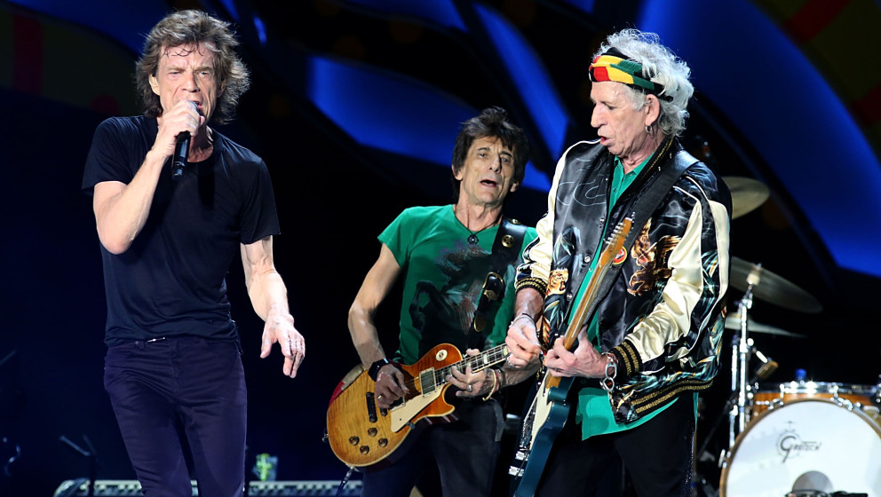 HAVANA, CUBA - MARCH 25:  (L - R) Mick Jagger, Ron Wood and Keith Richards perform with the Rolling Stones at Ciudad Deportiv