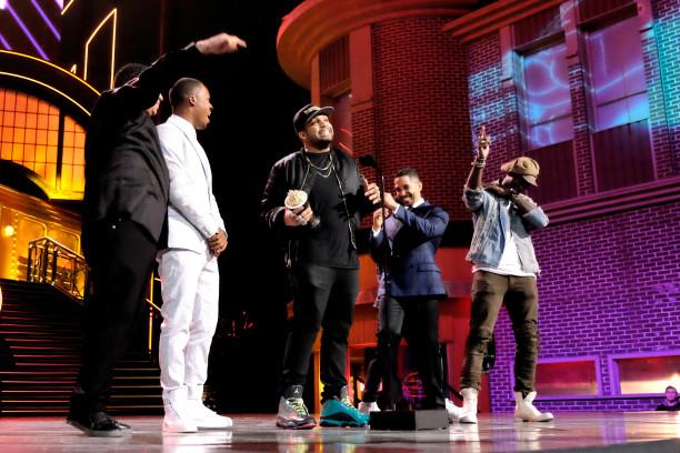 """Das Ensemble von """"Straight Outta Compton"""" nimmt den Preis in der Kategorie """"True Story"""" entgegen. Und bedankt sich bei der Oscar-Academy."""