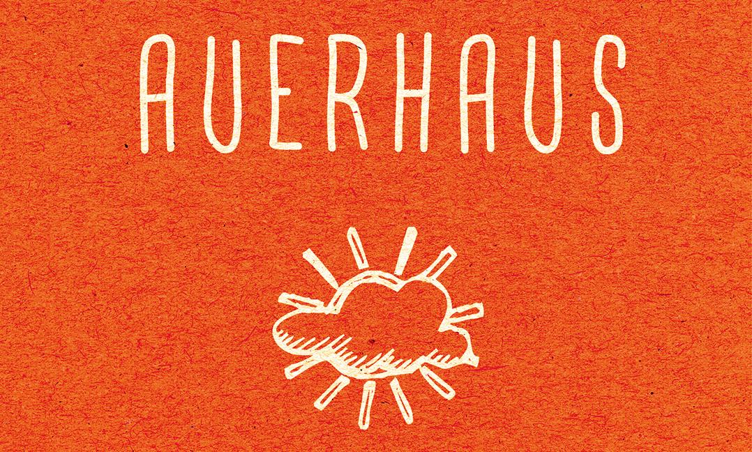 """""""Auerhaus"""" erzählt von sechs Freunden, deren größte Angst ein langweiliges Leben ist."""