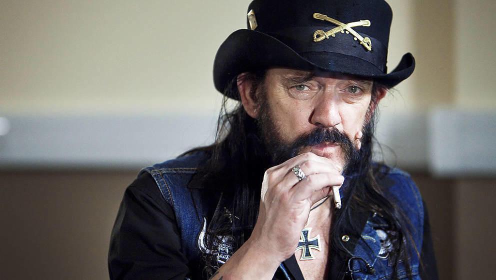 Er rauchte und trank und brüstete sich damit, über 1000 Frauen gehabt zu haben: Lemmy Kilmister