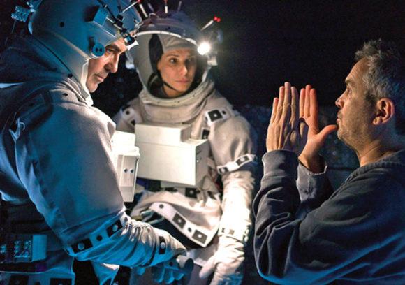 """Alfonso Cuarons """"Gravity"""" mit Sandra Bullock und George Clooney war ein voller Erfolg und brachte dem Regisseur unteranderem den Oscar und einen Golden Globe für die Beste Regie ein."""