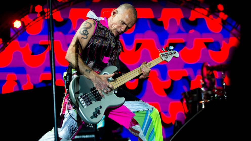 Für seine Fans spielt er gerne die Hits, auch wenn er sie hasst: Flea von den Red Hot Chili Peppers.