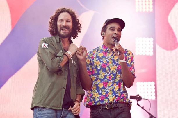 Max Herre (li.) und Patrice auf der Waldbühne beim Peace x Peace Festival 2016.