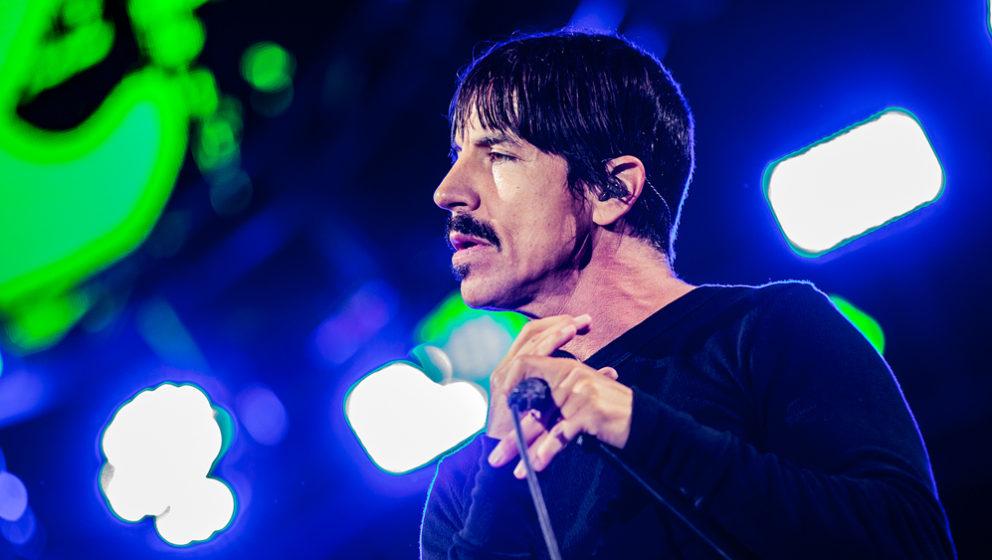 Den Red Hot Chili Peppers live vom heimischen Sofa aus zugucken.