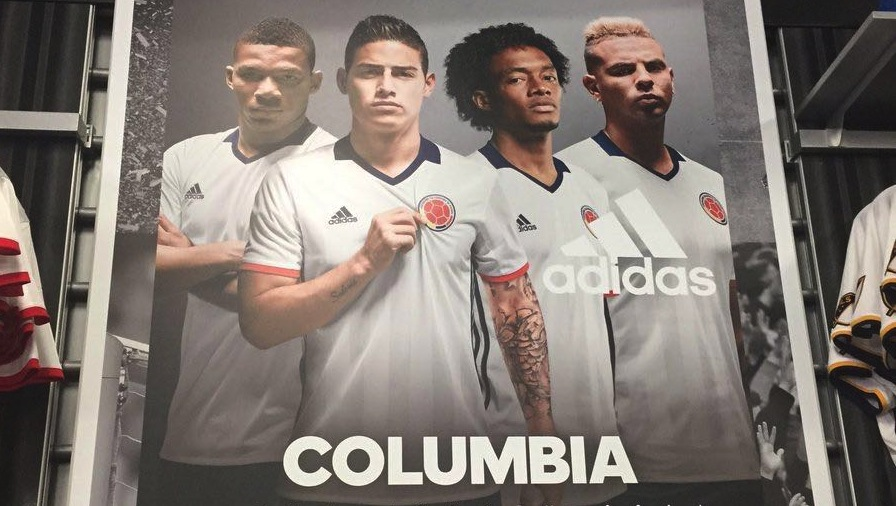 Als Strafe muss Adidas jetzt zehnmal Colombia schreiben: Colombia, Colombia, Colombia, Colombia, Colombia,Colombia, Colombia,