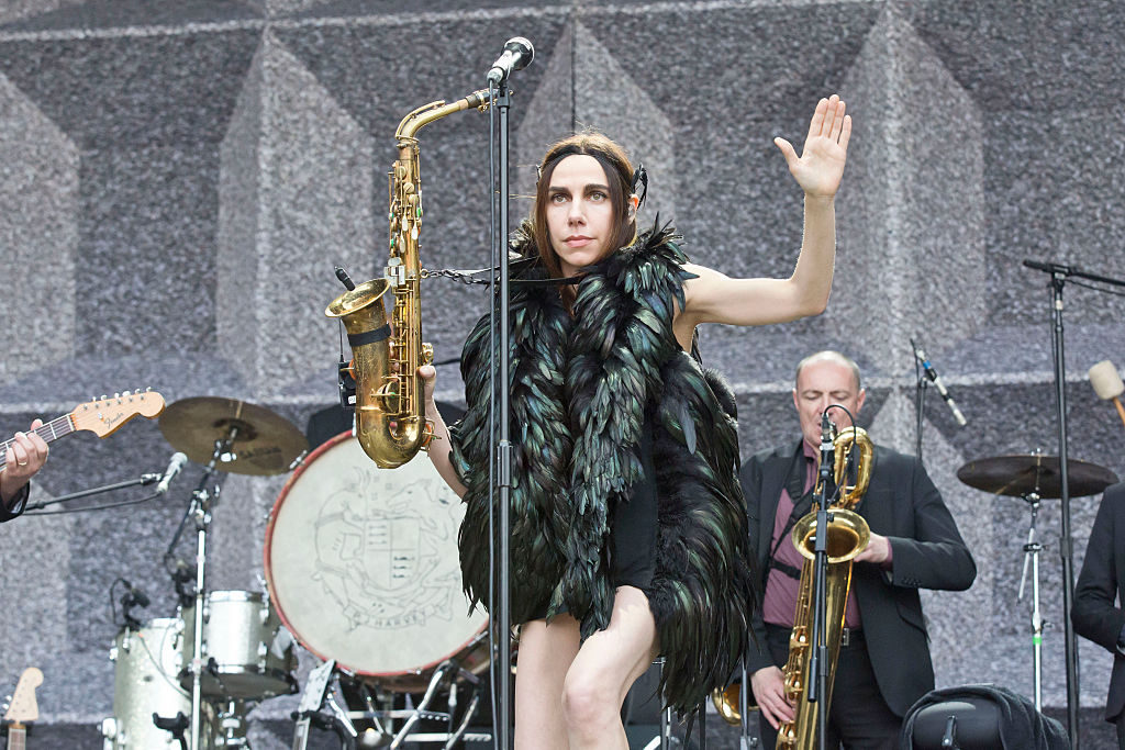 BERLIN, GERMANY - JUNE 20: British singer PJ Harvey performs live during a concert at the Zitadelle Spandau on June 20, 2016 in Berlin, Germany. (Photo by Frank Hoensch/Redferns)