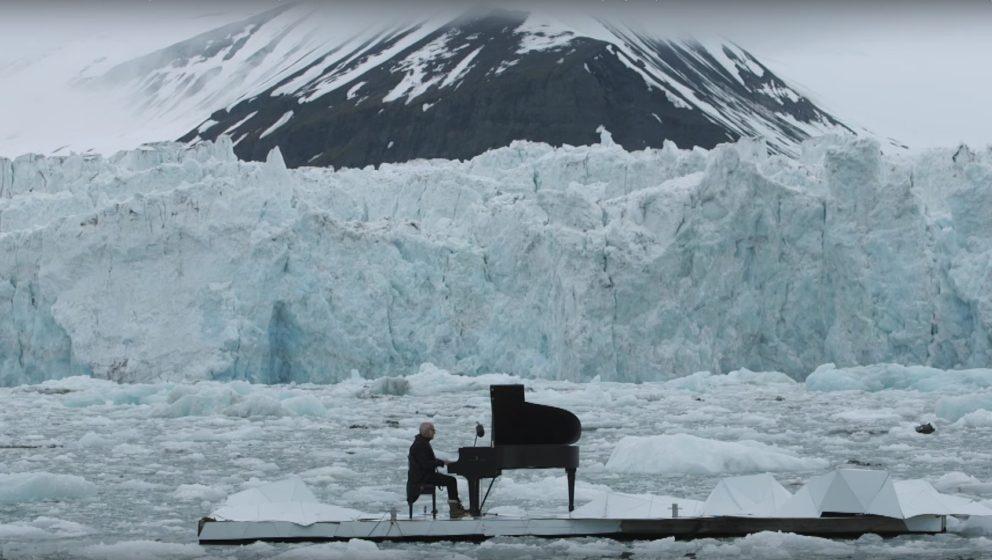 wundersch nes video pianist ludovico einaudi spielt f r greenpeace in der arktis. Black Bedroom Furniture Sets. Home Design Ideas