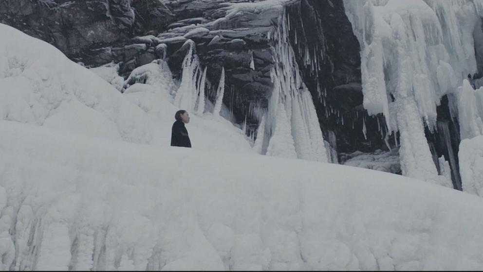 """Im neuen Video zu """"River In Me"""" geht es in eisige Gefilde."""