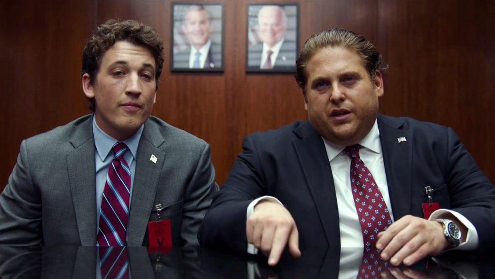 David Packouz (Miles Teller) und Efraim Diveroli (Jonah Hill) bei Verhandlungen.