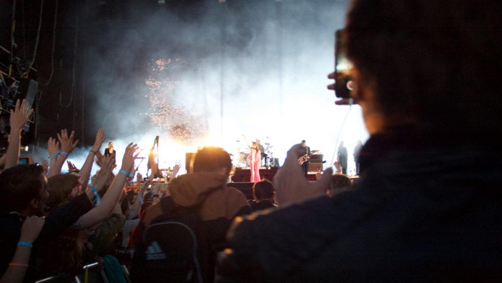 Fotoshoot bei Florence + The Machine während des Open'er Festivals.
