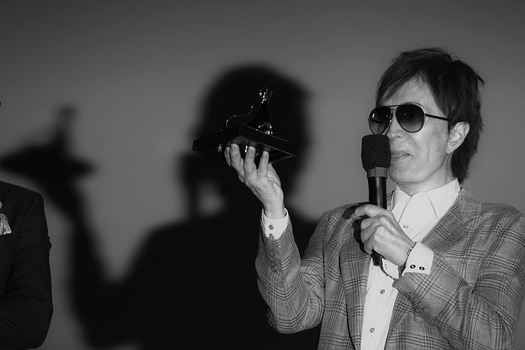 LOCARNO, SWITZERLAND - AUGUST 09: (EDITORS NOTE: Image has been converted to black and white.) Director Michael Cimino receiv