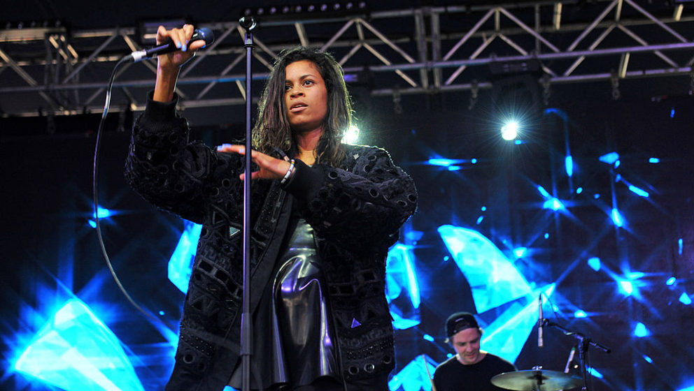 READING, UNITED KINGDOM - AUGUST 22: Aluna Francis of AlunaGeorge performs on stage at the Reading Festival at Richfield Aven