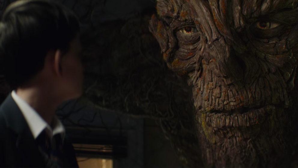 """In """"Sieben Minuten nach Mitternacht"""" taucht ein Monster auf, das an die Baum-Ents aus """"Herr der Ringe"""" erinnert. Die"""