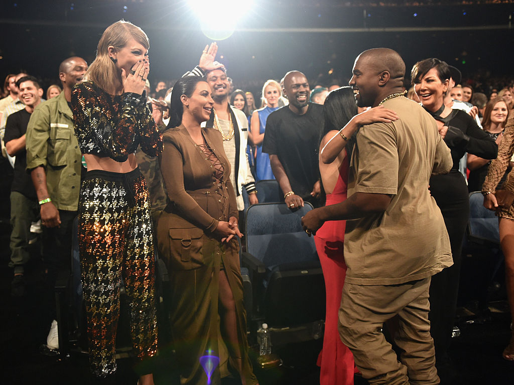 Da war noch alles gut: Kanye, Kim und Taylor bei den MTV Video Awards 2015