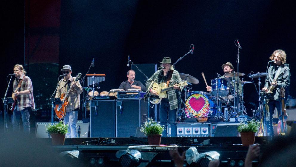 Ein Herz für Blumen – Neil Young (hier beim Roskilde Festival Anfang Juni)