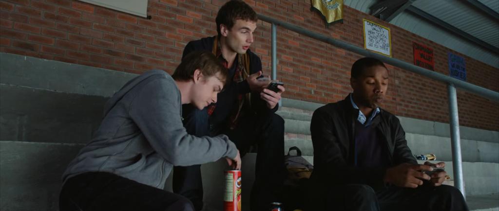 Drei Jugendliche müssen lernen, was es bedeutet, wenn man telekinetische Kräfte hat.