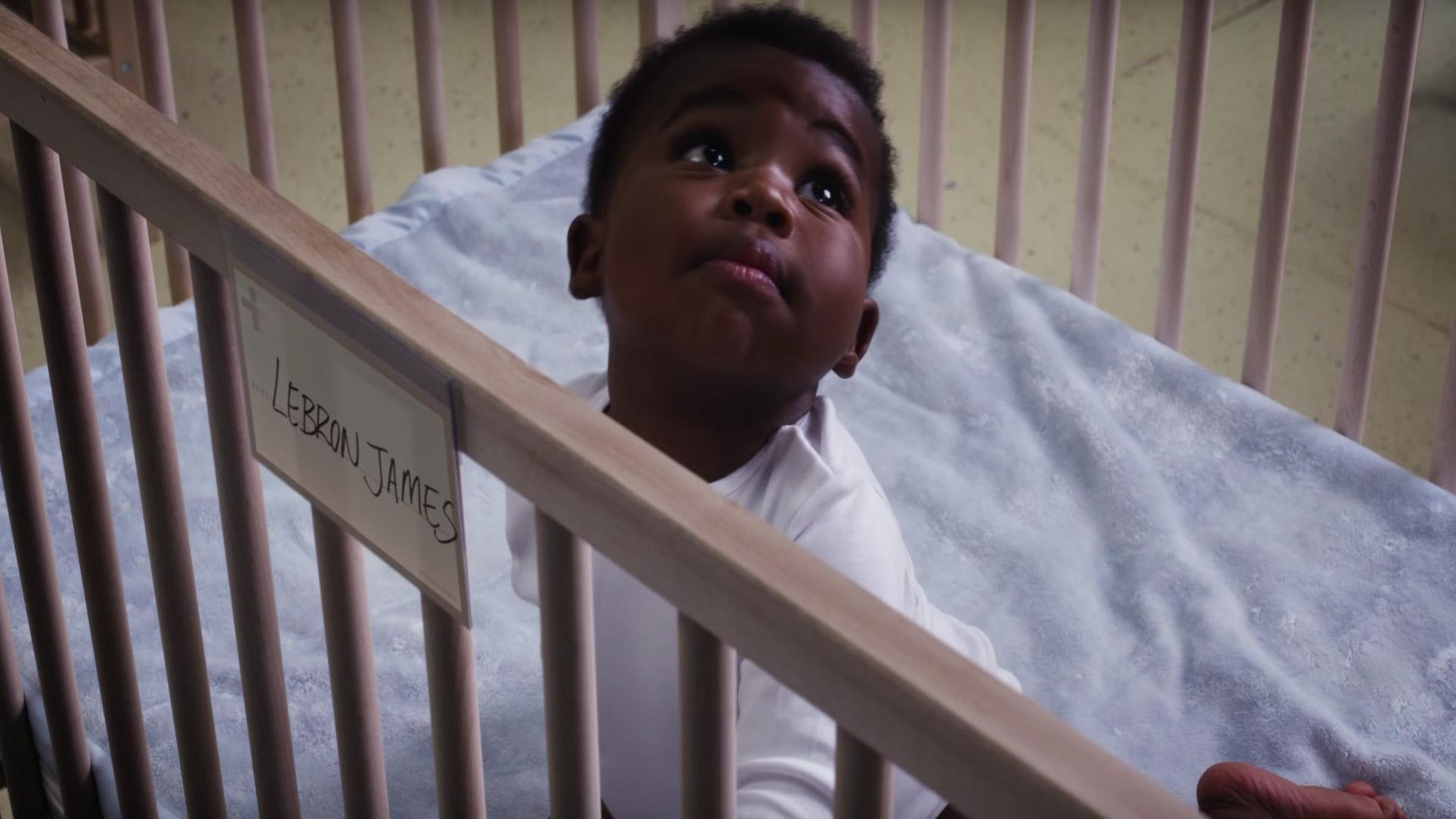 Der Kleine wird bald ganz groß rauskommen: Basketball-Star LeBron James.