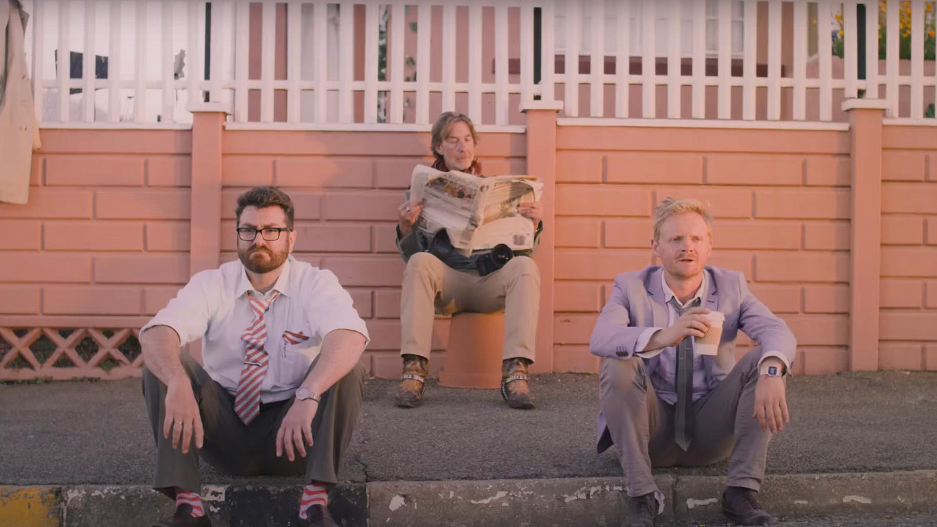 """Im Comedy-Musical """"Lord Jones Is Dead"""" kommen die Journalisten Samuel, Vincent und Clive mit ihrer Story nicht voran."""