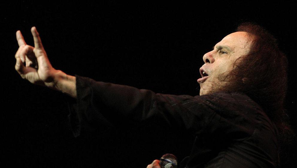 Ronnie James Dio, hier bei einem Heaven-and-Hell-Konzert im Jahr 2007