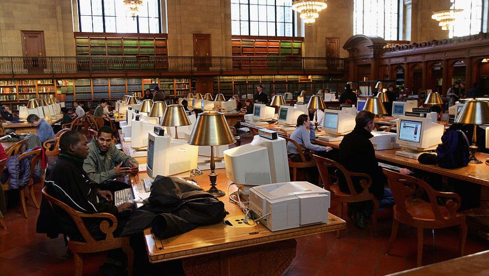 Die New York Public Library auf der 5th Avenue, hier im Jahr 2005