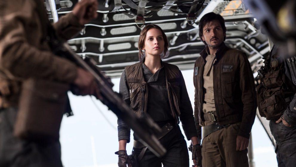 Felicity Jones und Diego Luna, der den Geheimdienstoffizier Cassian Andor spielt.
