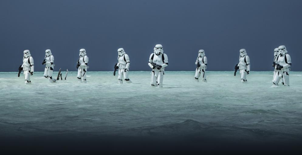 """Stormtrooper am Strand gab es so bisher noch nicht im """"Star Wars""""-Universum."""