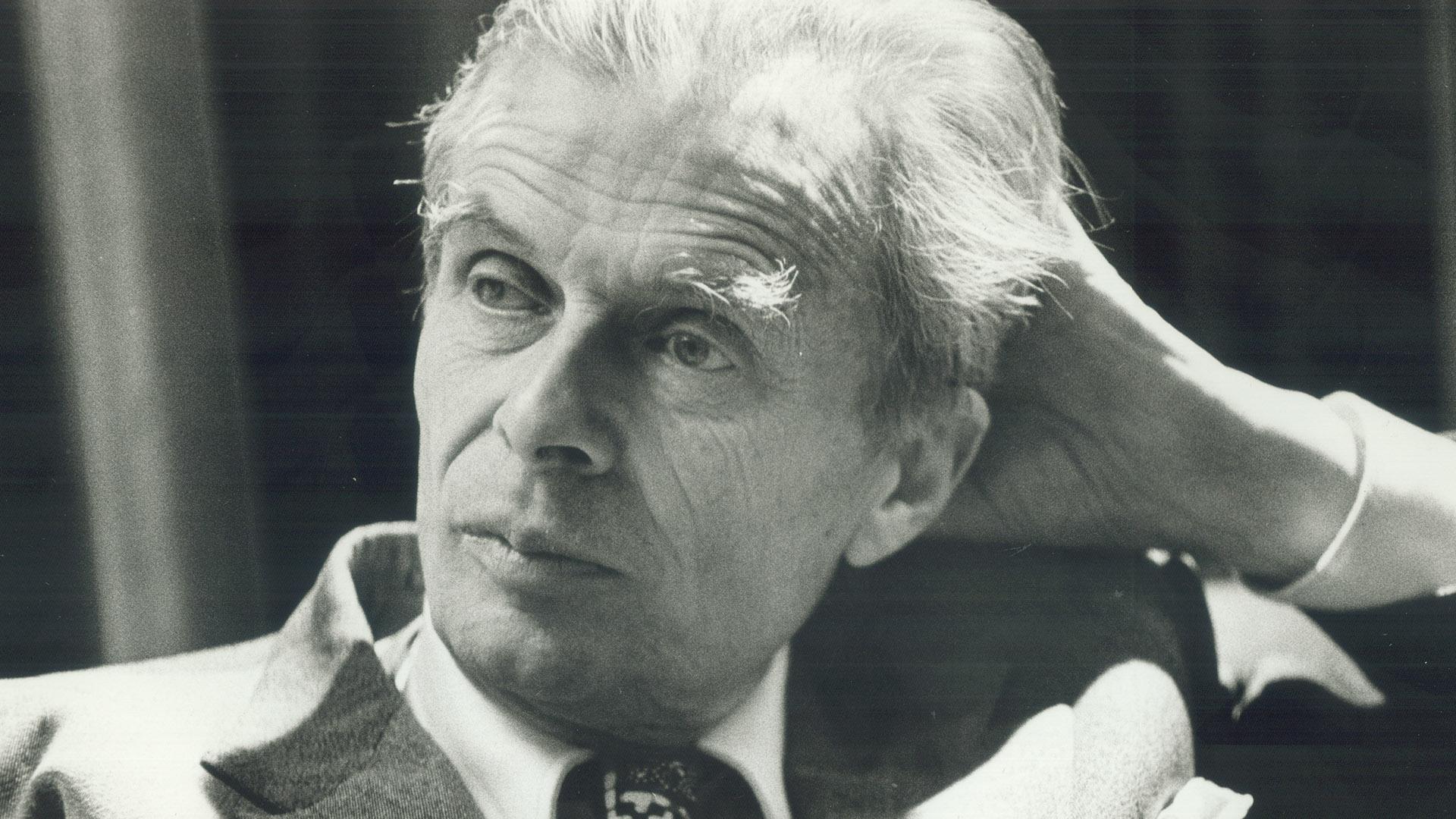 """Aldous Huxley hat mit """"Schöne neue Welt"""" 1932 einen der berühmtesten dystopischen Sci-Fi-Romane veröffentlicht."""