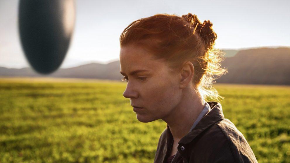 """Die Linguistin Dr. Louise Banks (Amy Adams) steht in """"Arrival"""" vor der größten Aufgabe ihres Lebens."""