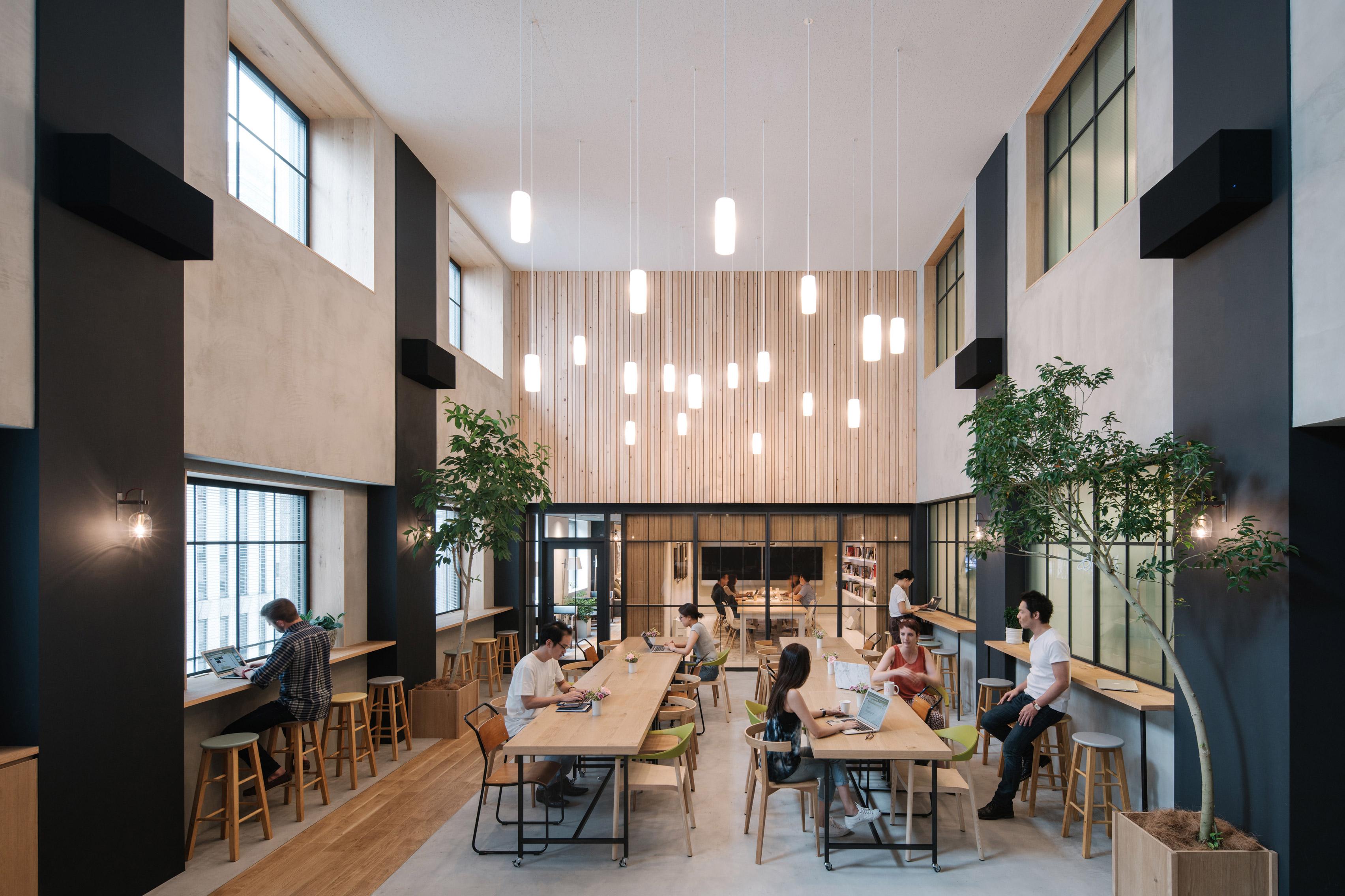 Kein typisches Großraumbüro: Das Airbnb-Office in Shinjuku, Tokio