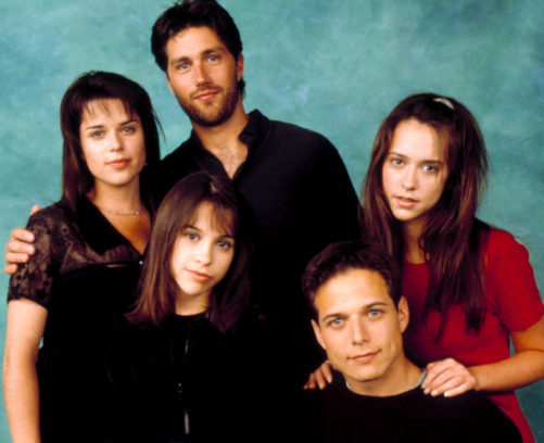 Julia (Neve Campbell), Charlie (Matthew Fox), Claudia (Lacey Chabert), Bailey (Scott Wolf) und Sarah (Jennifer Love Hewitt)(v.l.).
