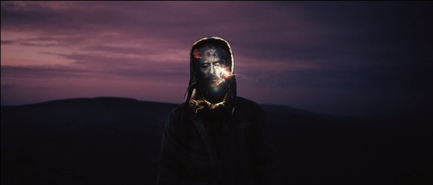 "Szene aus dem Musikvideo zu ""Beautiful People"""